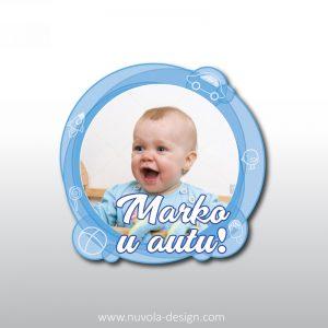 Naljepnica Beba u autu sa slikom plava